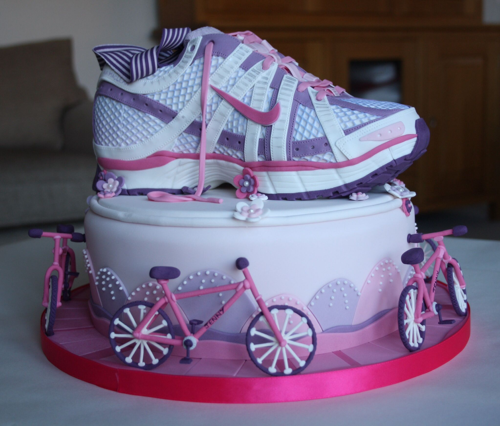 I made this ladies running shoe / trainer cake for my friend's 40th  birthday. It