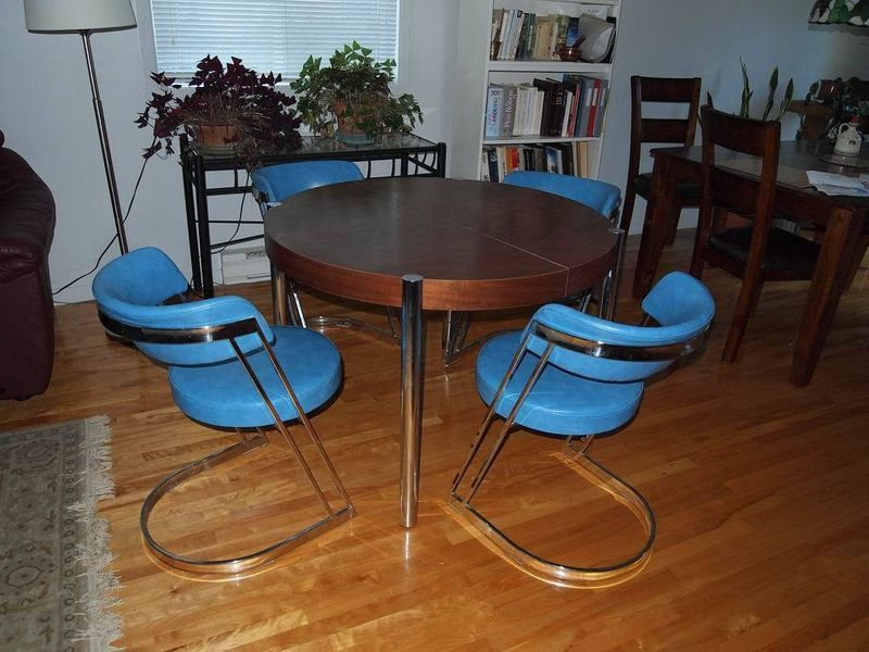 Chrome Wood Table Plus Four Cantilevered Circle Chairs In Blue Vinyl On Kijiji Montreal