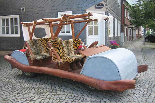 Replica of fred flintstone 39 s footmobile engineer for Replica mobel deutschland