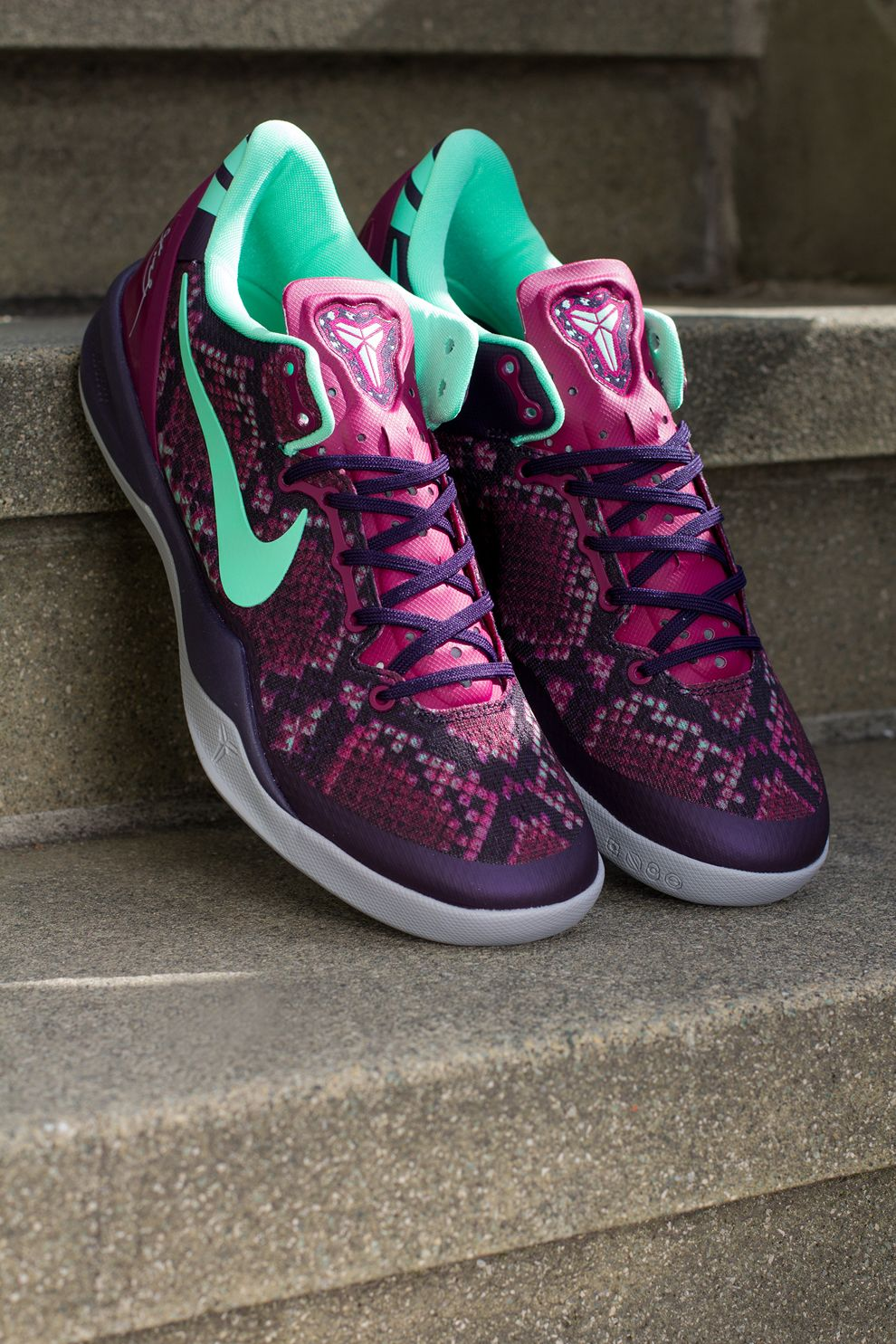 Nike Kobe 8 'Pit Viper' (Detailed Pics