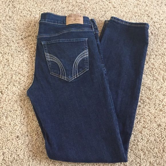 "Hollister skinny jeans Hollister skinny jeans - ankle length 27"" inseam. Super soft & stretchy! Like new! Hollister Jeans Skinny"