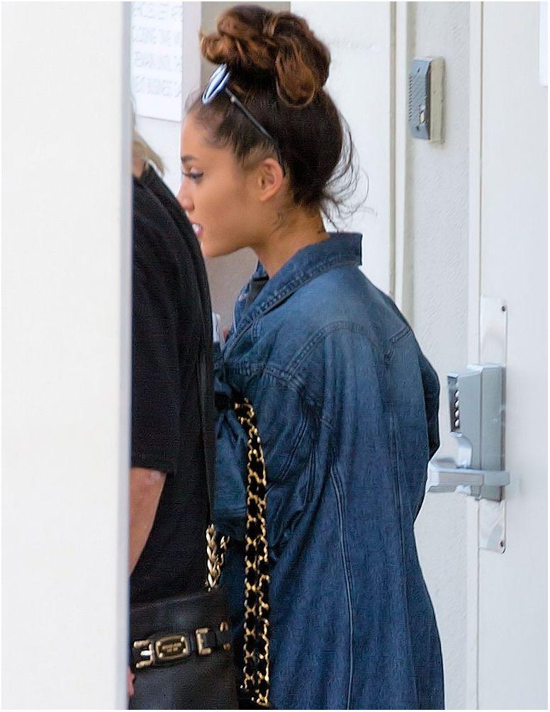 Ariana Grande Leave a Dermatologist in Beverly Hills 05/03/2016
