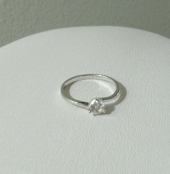 White Gold Plated Ring Womens Girls White Topaz Gemstone Solitaire 9k Size 7 #Unbranded #Solitairering