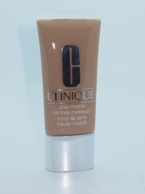 Stay-Matte Sheer Pressed Powder by Clinique #14