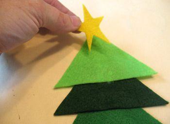 Manualidad navide as para ni os arbol de fieltro - Manualidades de navidad para ninos de preescolar ...