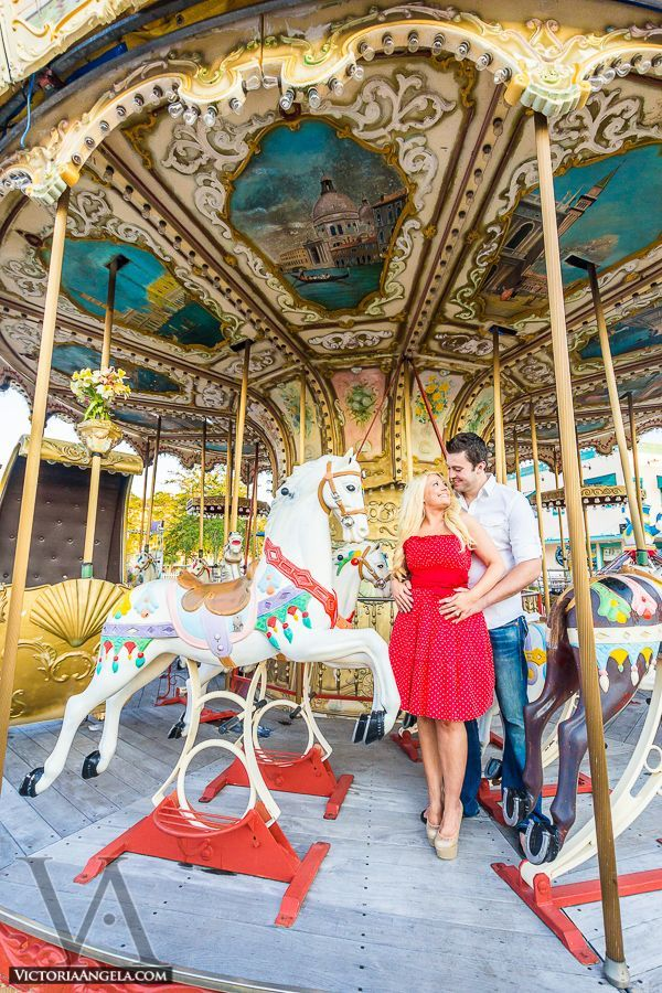 pictures-of-couples-on-carousel