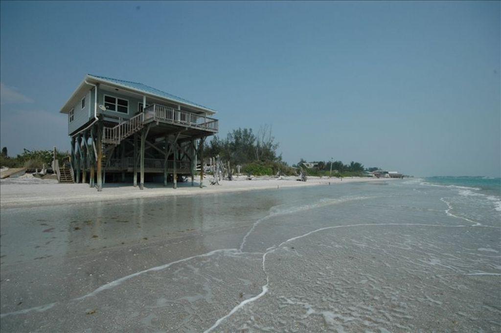 Beach frontlittle gasparilla