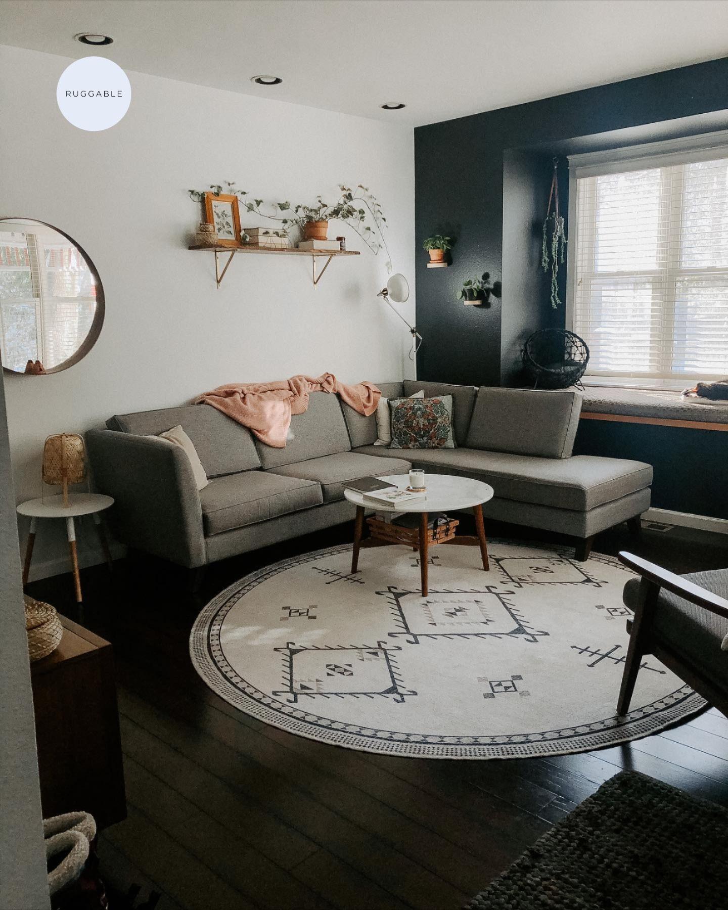 Damali Black White Rug In 2021 Round Rug Living Room White Rug Round Rug Living Room Layout