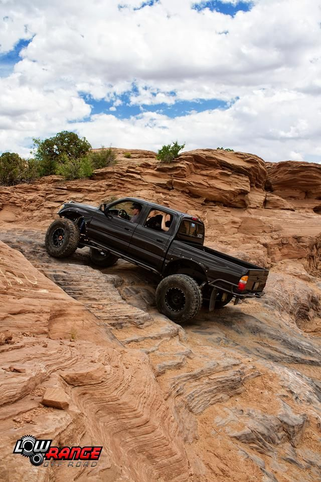 Lifted Toyota / Solid Axle Swap / Overland