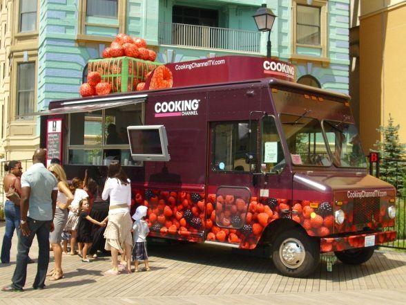 ice cream truck the tour continues trucks camion de nourriture nourriture cantine. Black Bedroom Furniture Sets. Home Design Ideas