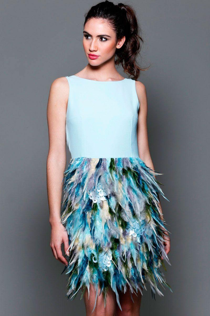 03ff62472 vestidos de fiesta azul con falda de plumas y escote en la espalda con  lazada para boda evento coctel bautizo comunion graduacion de apparentia