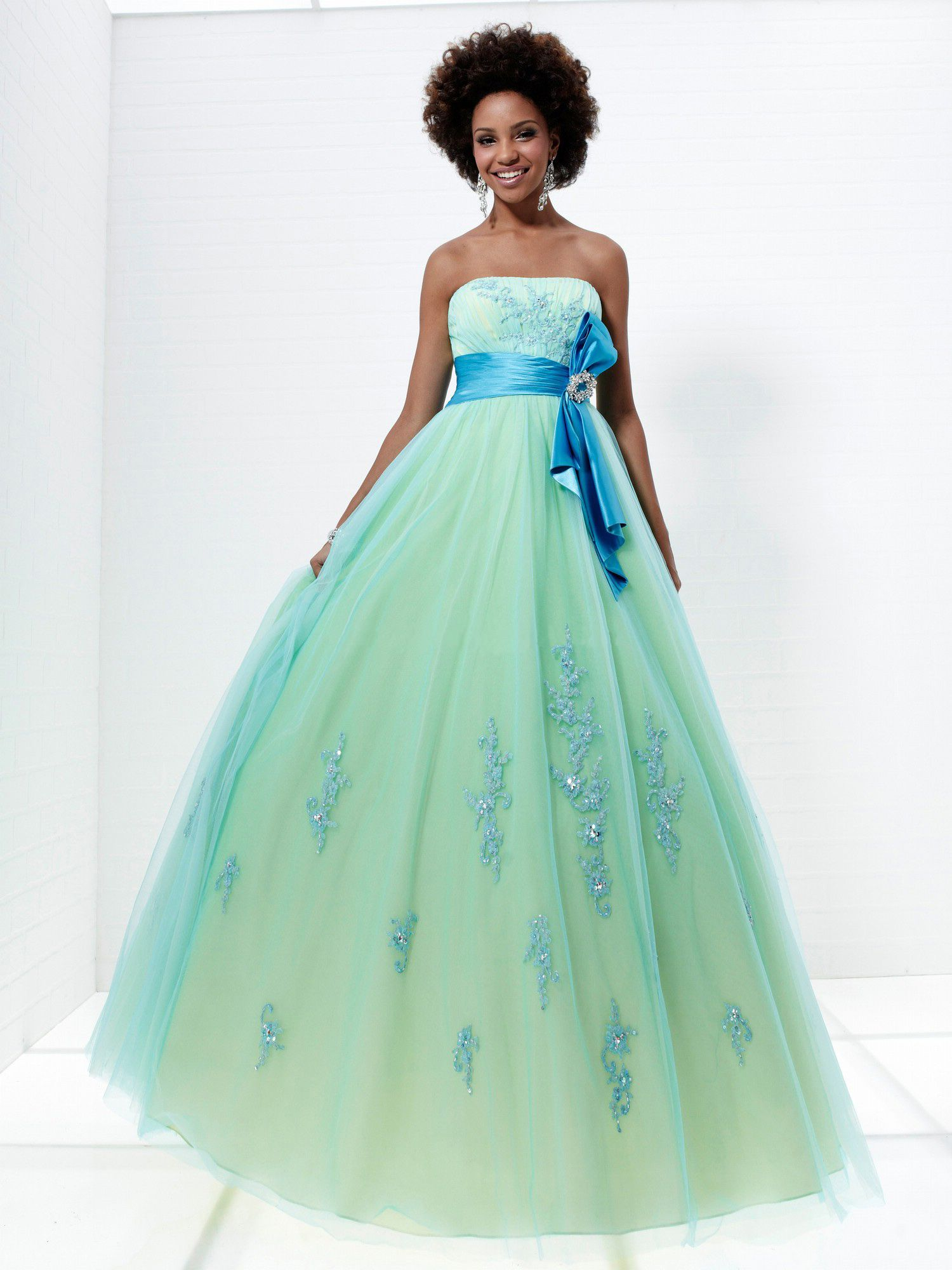 2012 Beautiful Ball Gown Sleeveless Floor-Length Prom Dresses ...