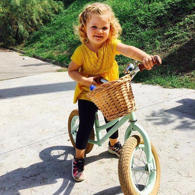 e495e61275d Pale green balance bike - cool kids ! | Amazing Kids Bikes by Bobbin ...