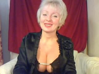 Long Haired Mature on Webcam