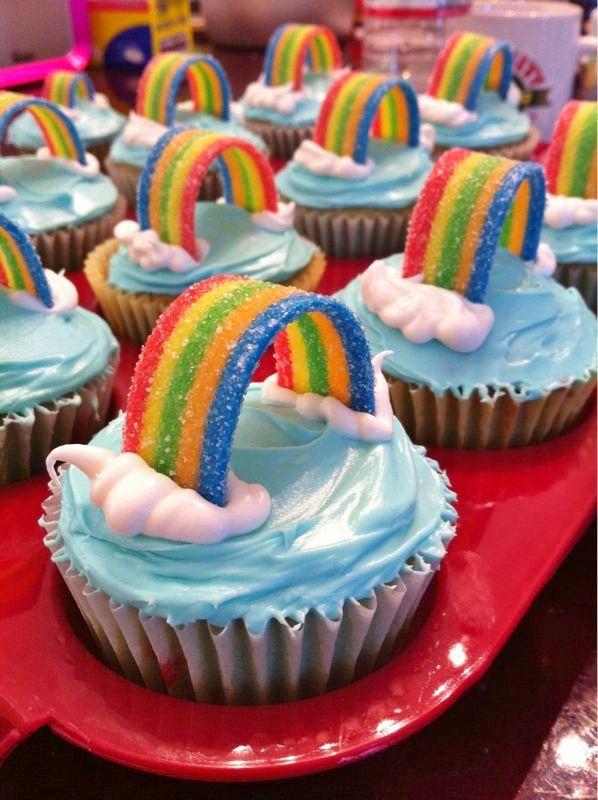 Cute cupcake decoration idea.