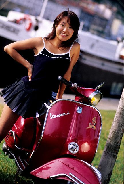 CALENDRIER VESPA CLUB DE LYON by theomin on Flickr.