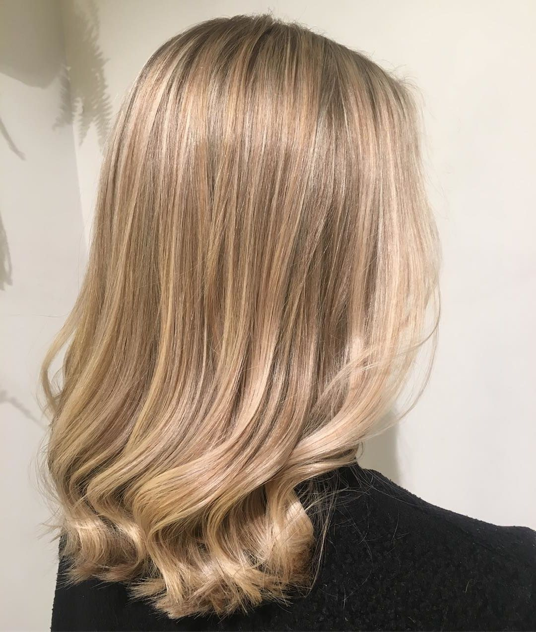 50 Natural Blonde Highlights To Do At Home With Images Natural