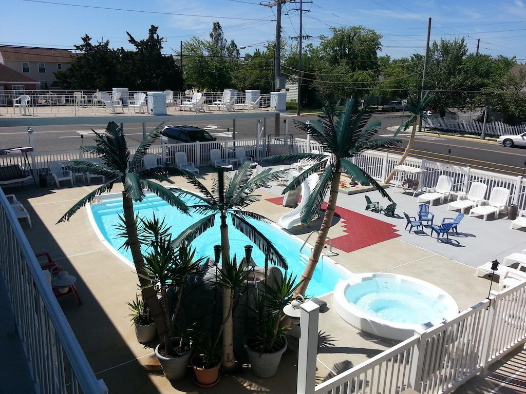Sandbox Motel Wildwood Nj Booking Com Wildwood Wildwood Crest Outdoor Pool