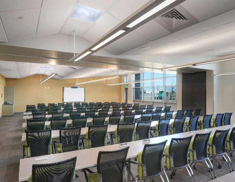 Training room rb b architects events iida bestawards - Interior design schools in houston ...
