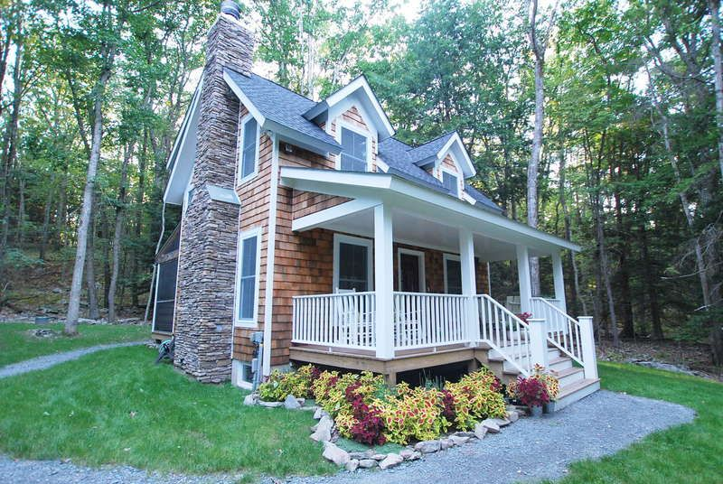 Porch Cedar Shake And Stone House Ideas In 2019