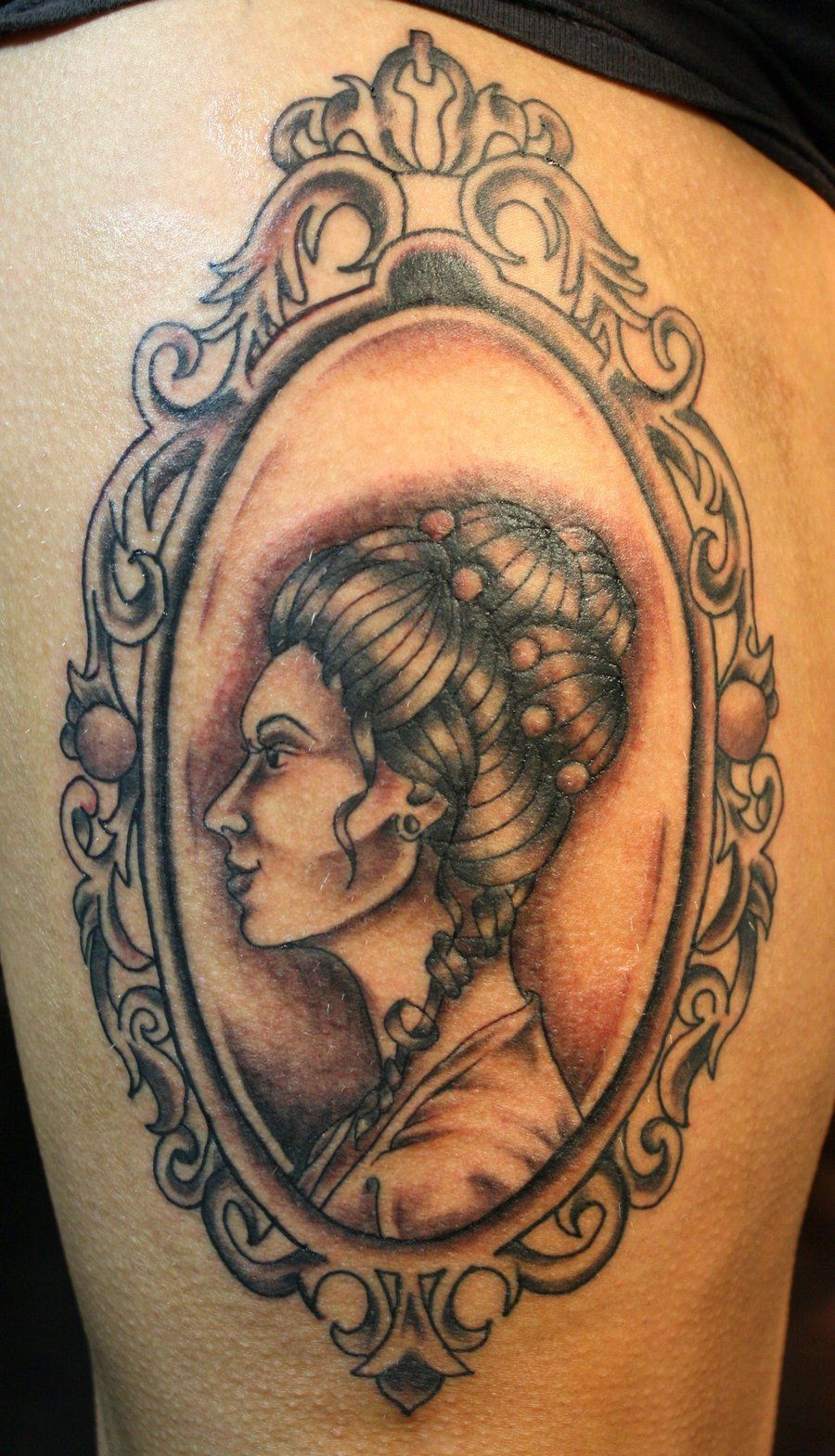 parent portraits in Victorian frames | Tattoos.✌ | Pinterest