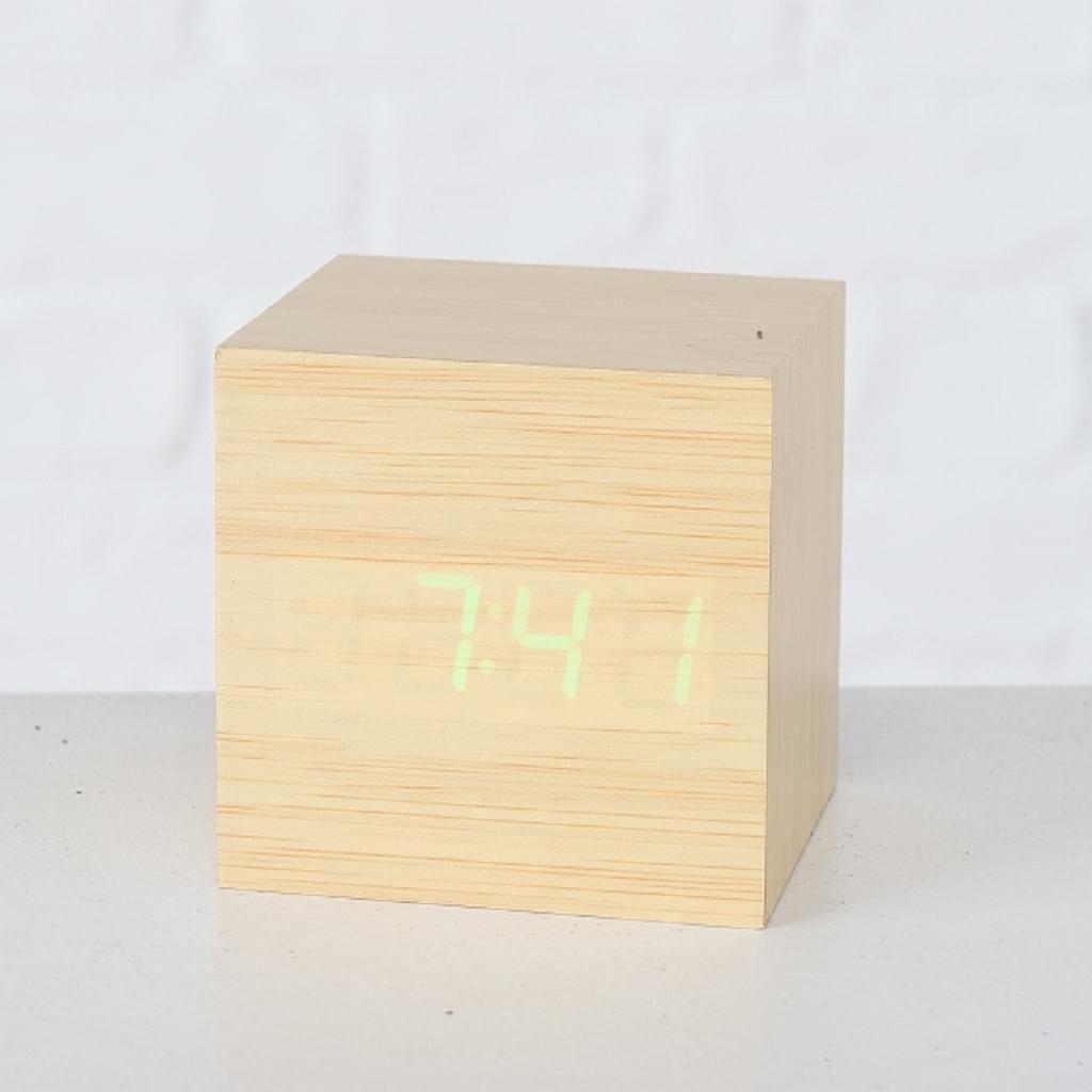 Tischuhr Wecker Holz Wurfel Led Tischdeko 6 5 6 5 6 5cm Natur Oder Schwarz In 2020 Tischuhr Wecker Led