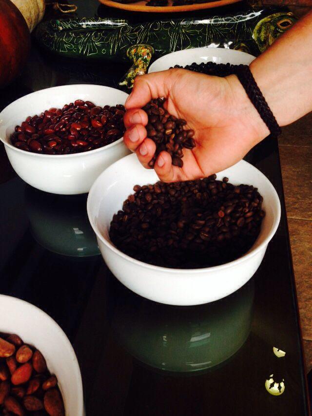 Granos de Café, Cacao y Frijol, en San Cristóbal de las Casas, Chiapas, México.