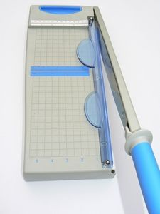 How To Sharpen A Paper Cutter Blade Thumbnail Have See If The Hubby Is Willing Try This
