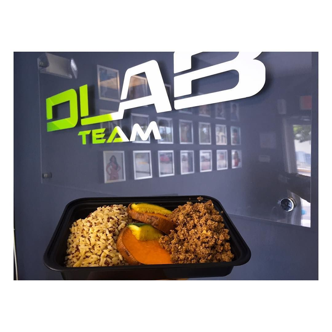 Perfect combination @dlabteam  @cleanmealsmiami = lean body  #LunchTime by eddie_arias