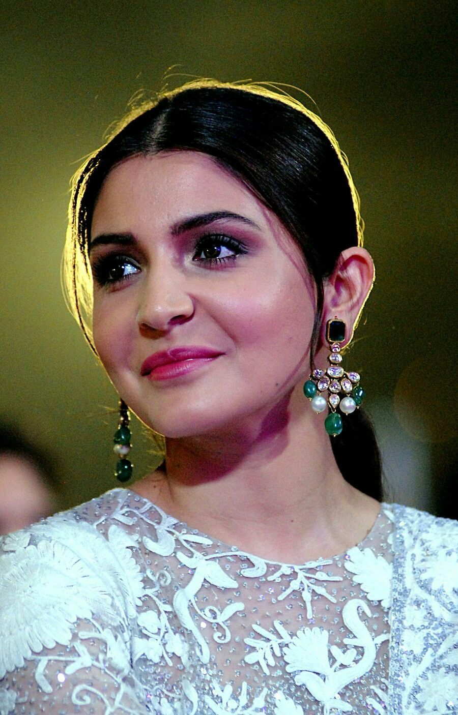 5f6bc45e3d Anushka Sharma face close up at Umang 2018