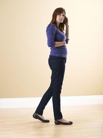 I v těhotenství můžete být krásná a cítit se pohodlně - v džínách od MAMAJEANIUS