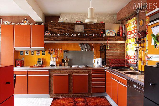 d co cuisine annee 70 cuisine cuisine ann es 70 d co. Black Bedroom Furniture Sets. Home Design Ideas
