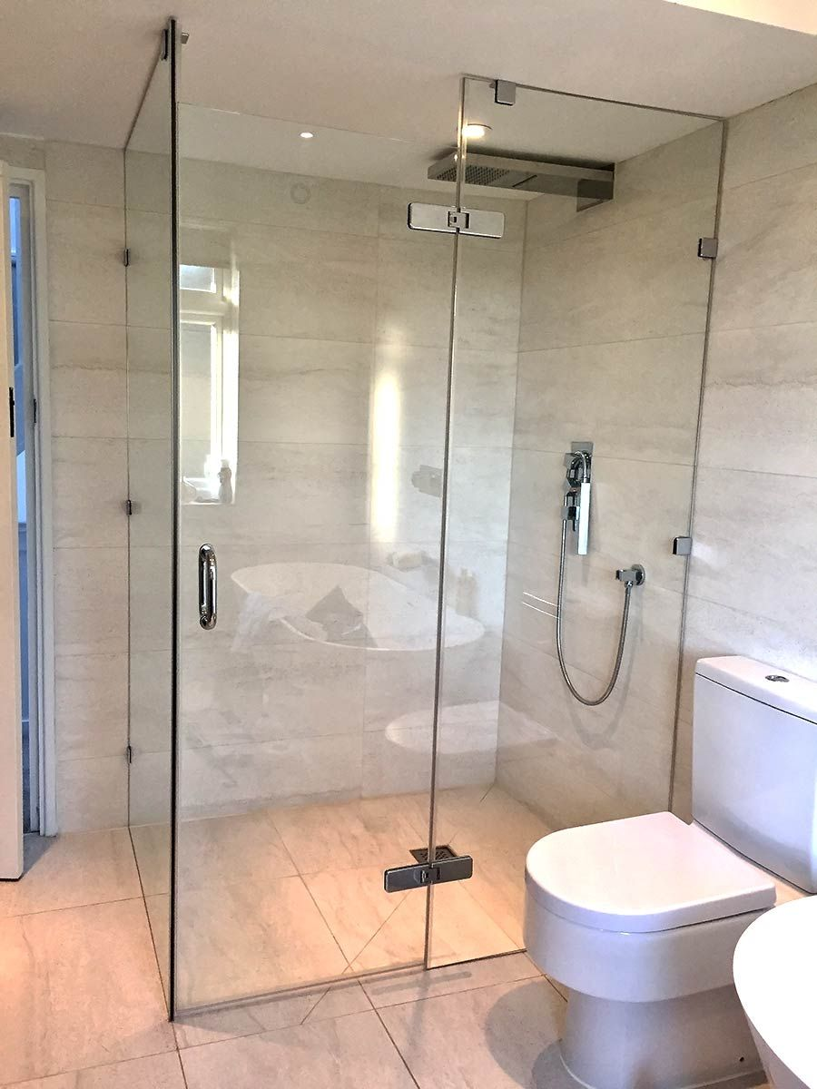 Large Frameless Glass Wetroom Shower Enclosure With Floor To