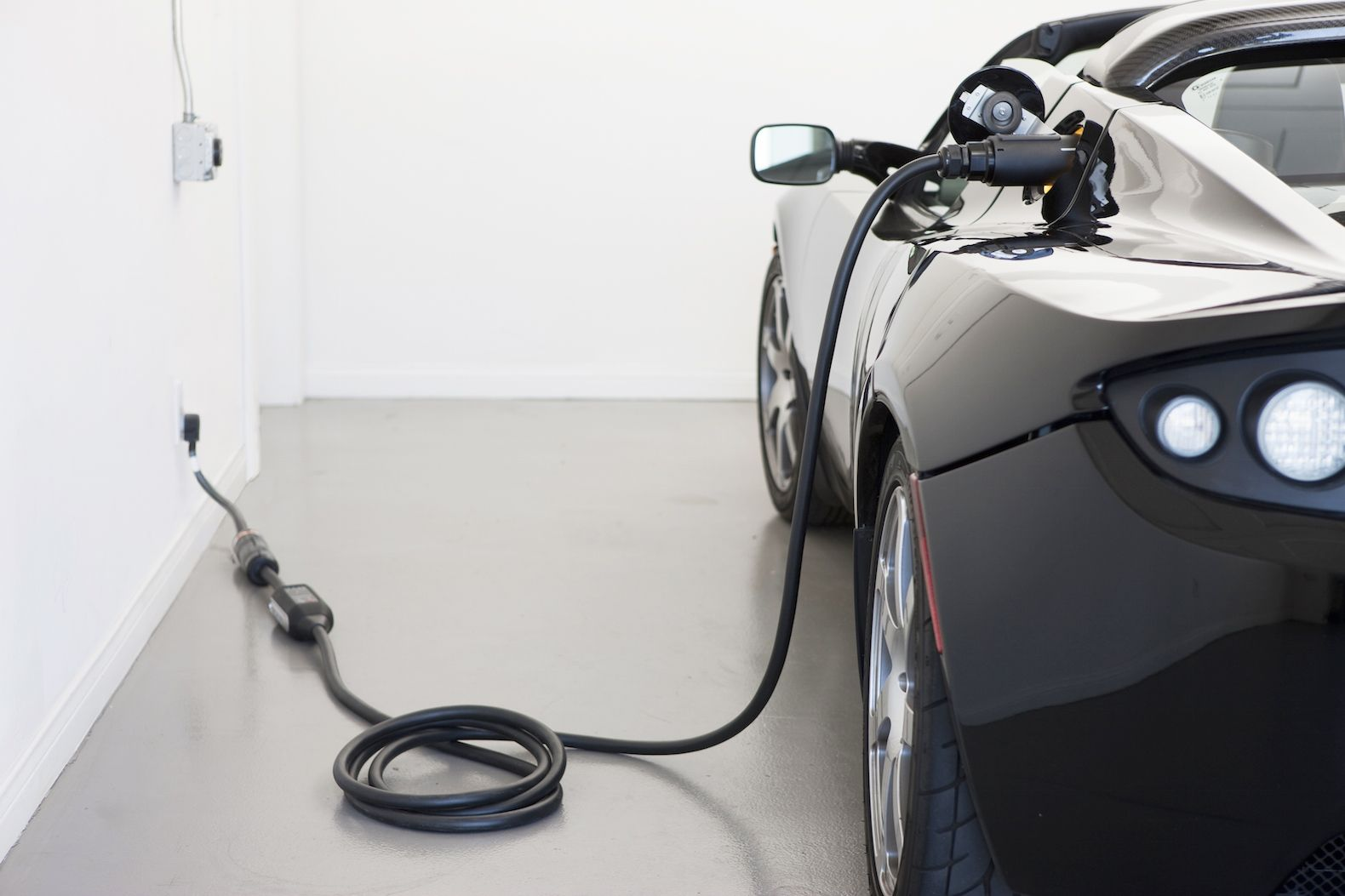 This Electric Car Battery Could Charge In Just Five Minutes Cars