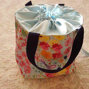 25df76a8c The Minimalist - PDF Sewing Pattern - Small Cross body Bag - Wristlet - Mini  Messenger