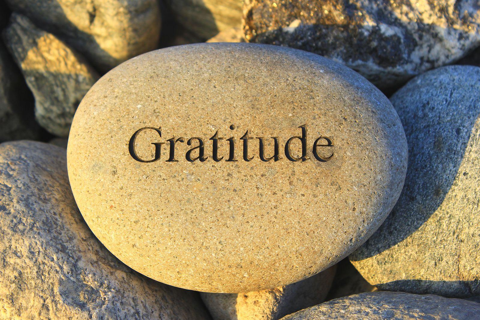 Billede fra http://bobbleheaddad.com/wp-content/uploads/2015/05/Gratitude-rock.jpg.