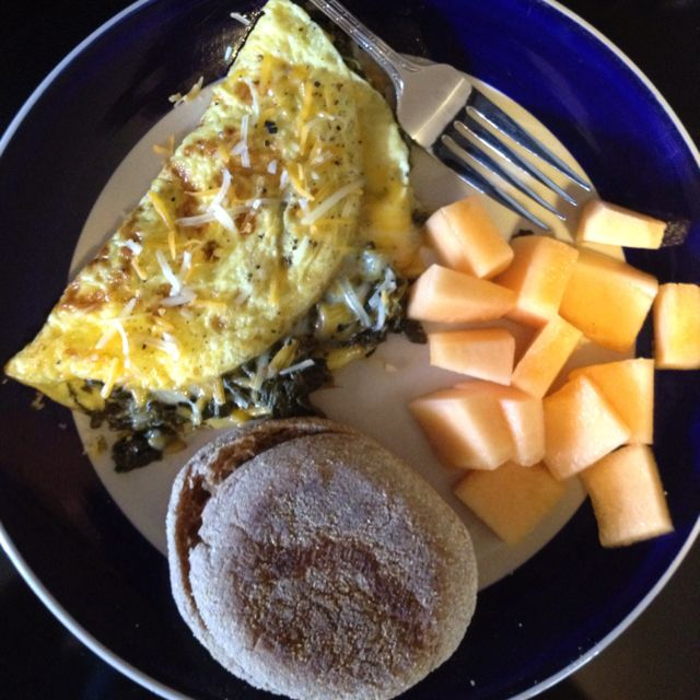 Spinach and Low-fat Cheddar Cheese Omelet Breakfast with English Muffin, 497 calories SpecialK meal plan