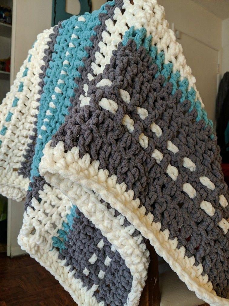 Chunky yarn baby blanket Baby yarn, Chunky yarn, Baby