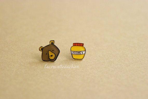 Orso e il miele stud orecchini - gioielli degli animali del bosco - arte da indossare gioielli