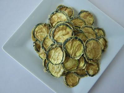 Fragrant Vanilla Cake: Raw Sour Cream and Onion Zucchini Chips and Kale Chips