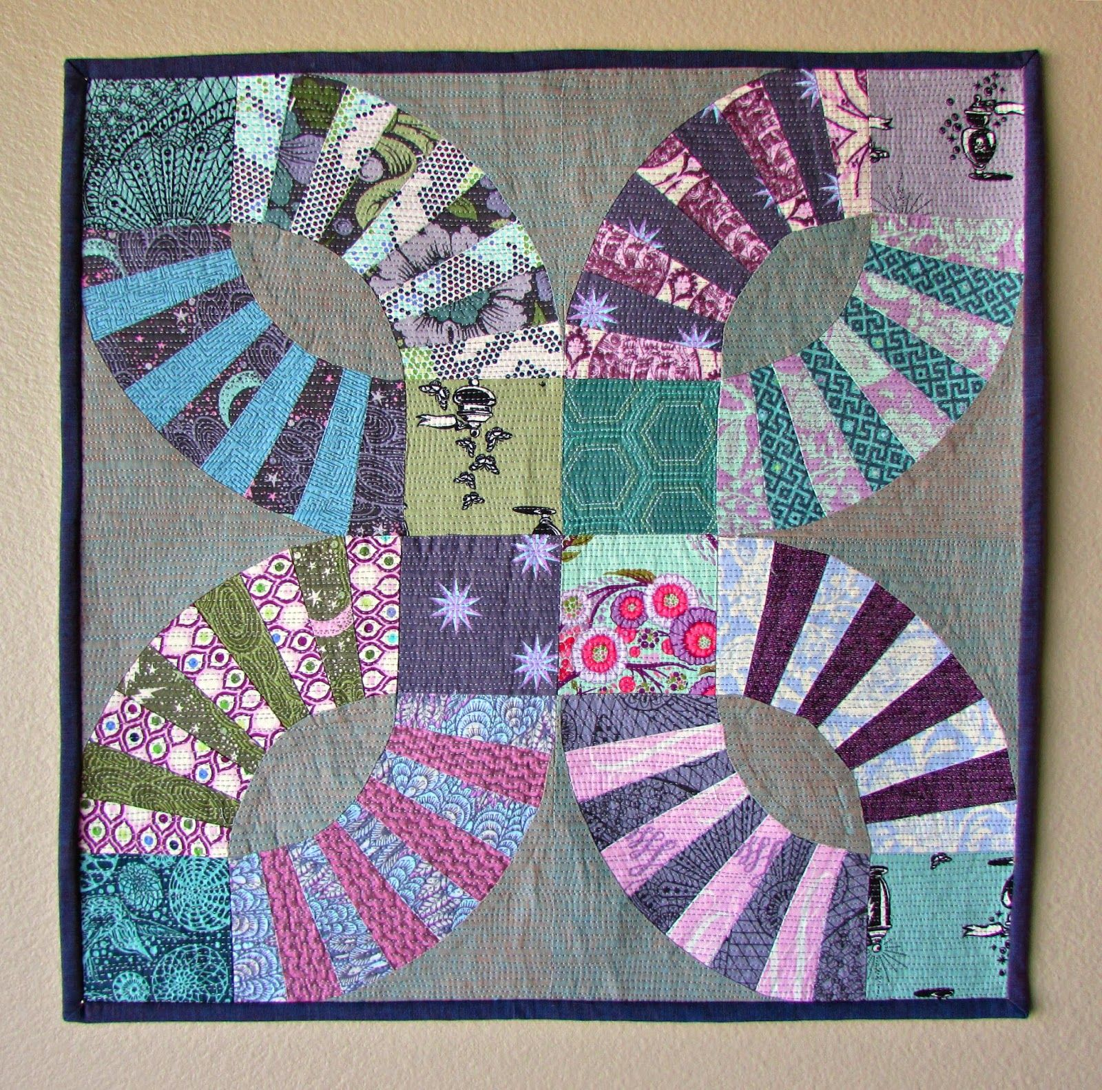Wedding Ring Quilt Inspiration And Free Patterns Quilts