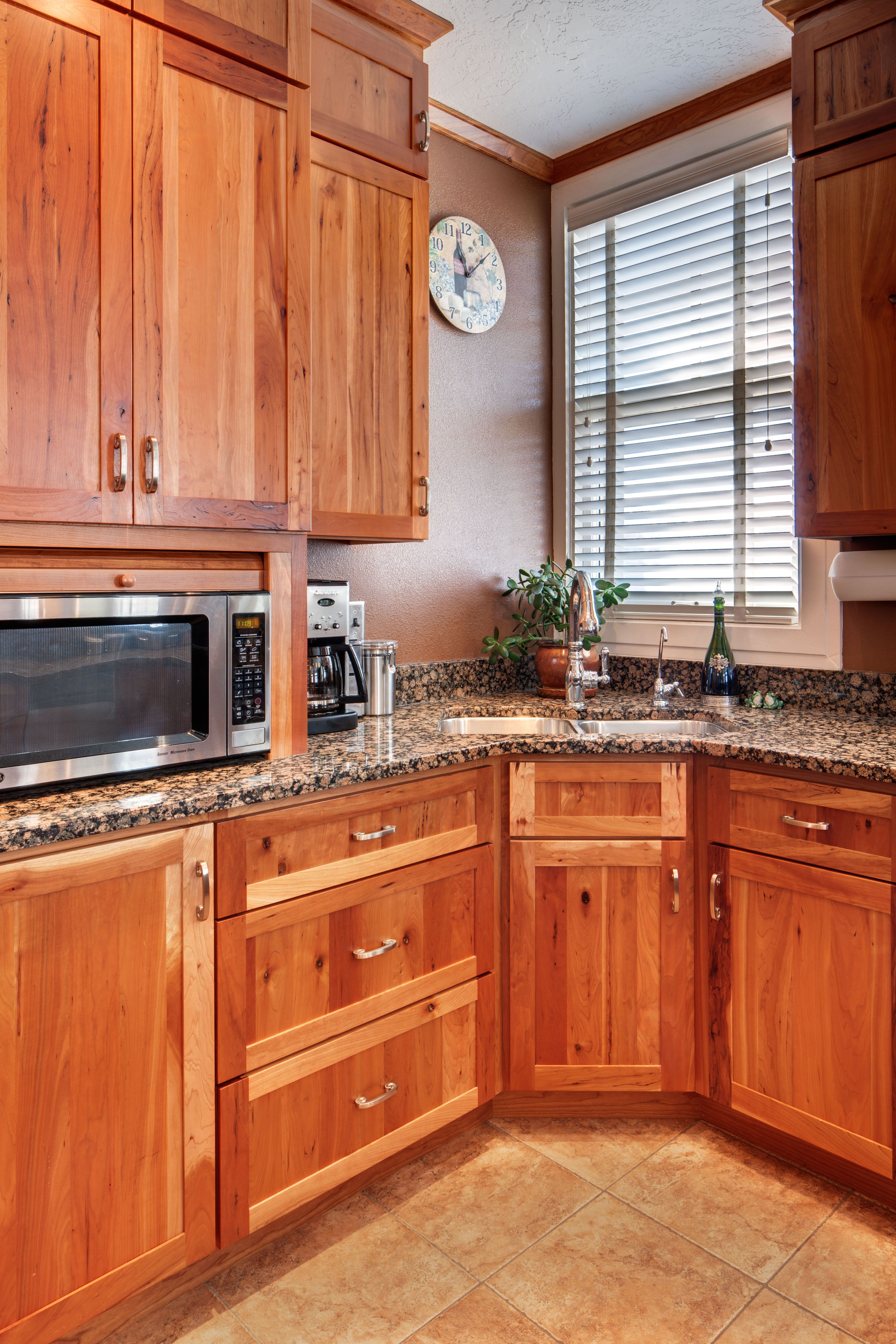 Crown Cabinets Clearcreek Knotty Cherry Natural Crown Cabinets Cabinet New Homes