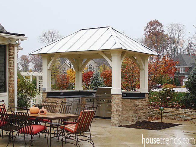 Outdoor Kitchen Sings In The Rain Outdoor Living Pergola Plans Roofs Pergola Patio