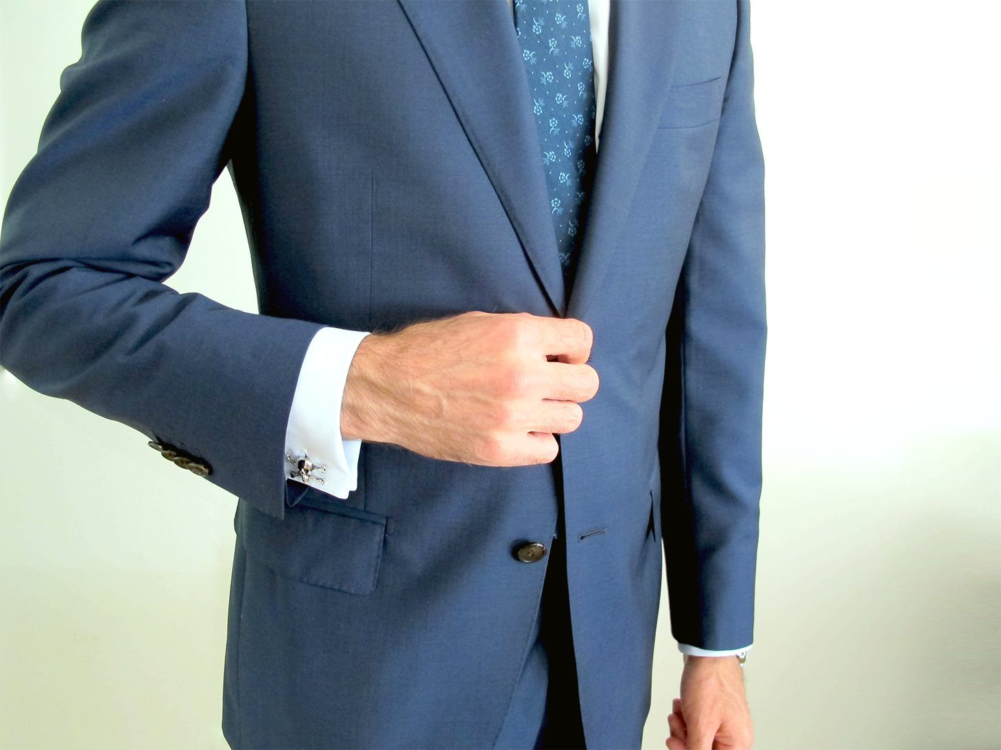 14fe568caa2 Handsome suits with full-canvas construction