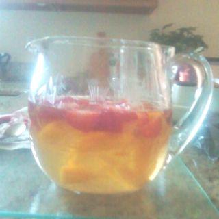 peach strawberry sangria made with moscato