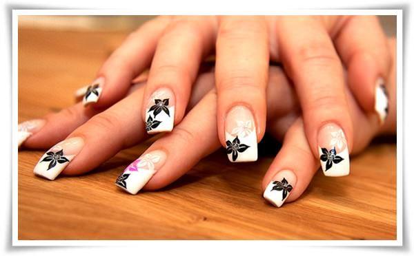 black and white nails | weiße Blumen, Schwarz weiß und Nagelschere