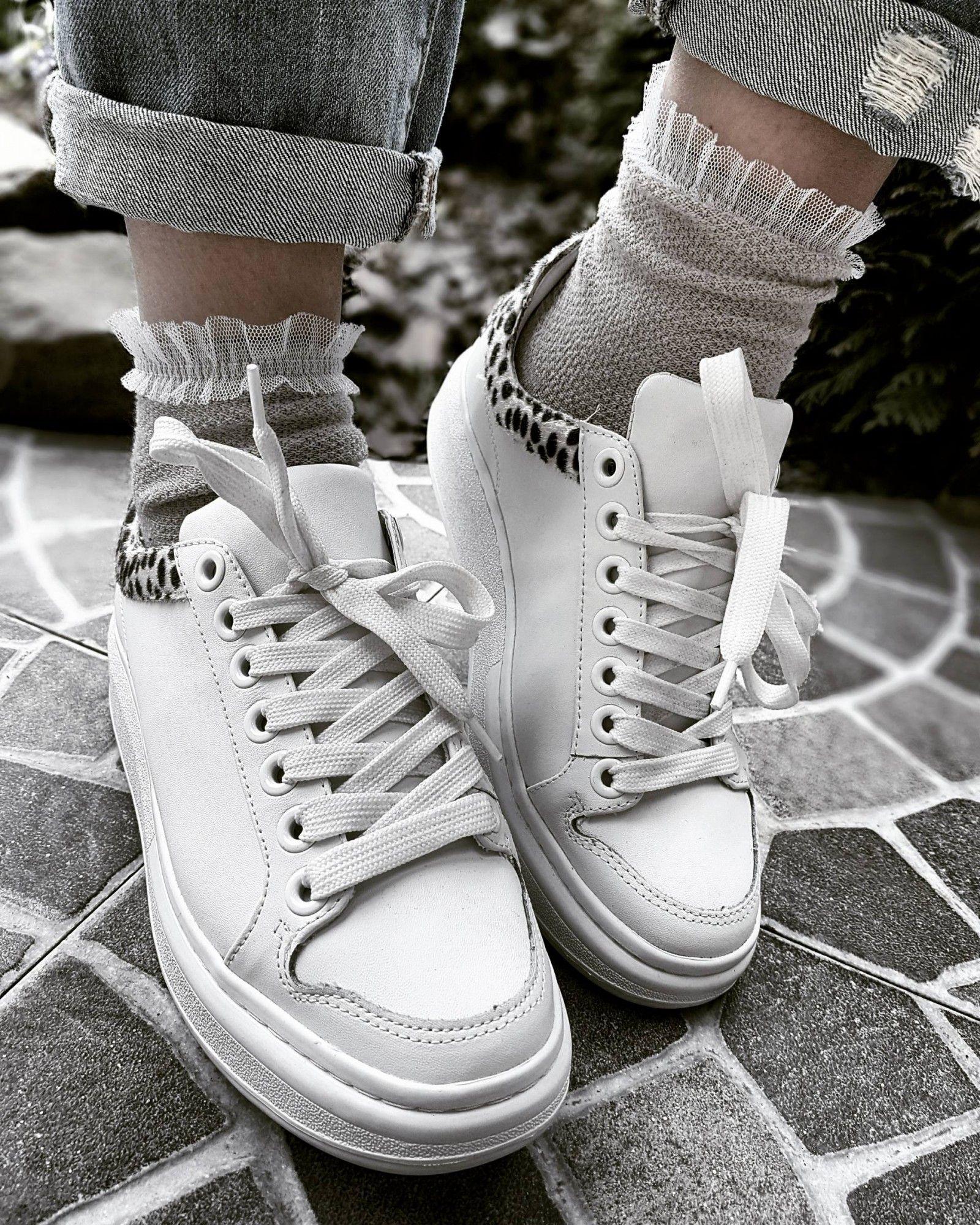 fac417699 CHAUSSETTES @CALZEDONIA BASKETS OU ESCARPINS ? | Shoes en 2019 ...