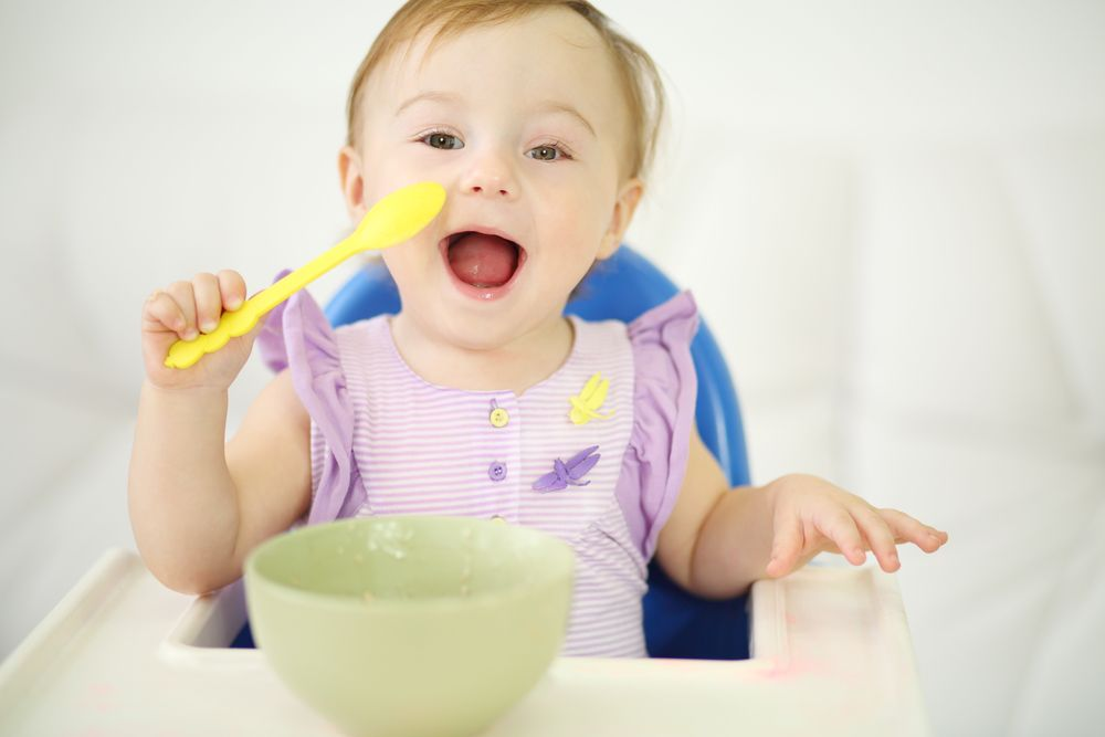 Though many baby containers can worsen flat head syndrome, high chairs can help you treat your baby's torticollis and help your baby learn to sit independently.