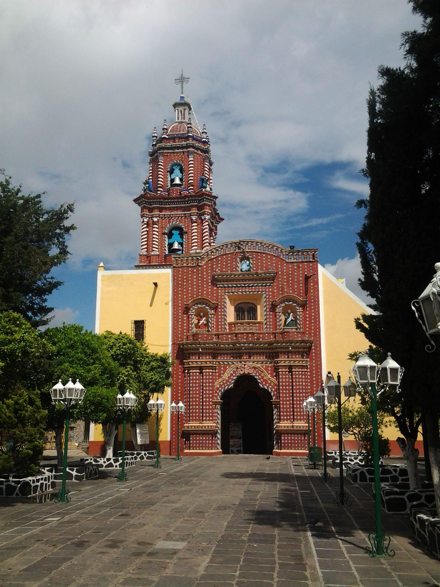 La fachada de talavera de la iglesia de Tonanzintla en el Estado de Puebla, México. Foto por Laila Hynninen