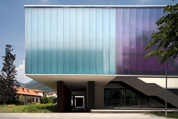 polycarbonate facade google keres s anyagok pinterest facades and search. Black Bedroom Furniture Sets. Home Design Ideas
